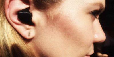 que los audífonos no solo traduzcan lo que dice la persona con la que se charla, Foto:Waverly Labs