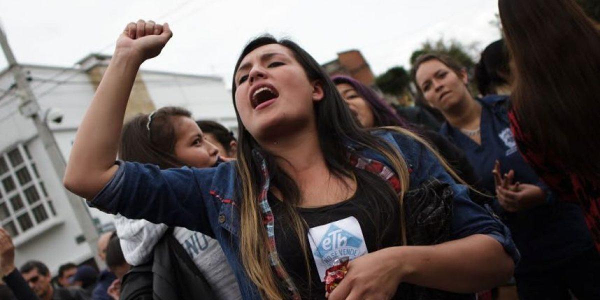 En imágenes, la fuerte protesta contra la venta de la ETB