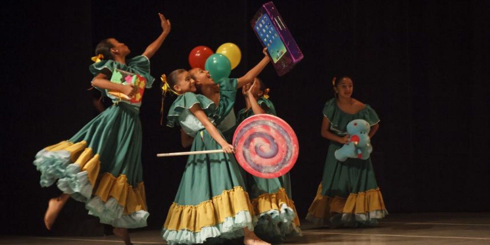 Es un espectáculo en el que tanto niños como jóvenes talentosos harán vibrar a los espectadores con los bailes más representativos del país en el Teatro Pablo Tobón Uribe. Foto:Cortesía Ballet Folklórico de Antioquia.