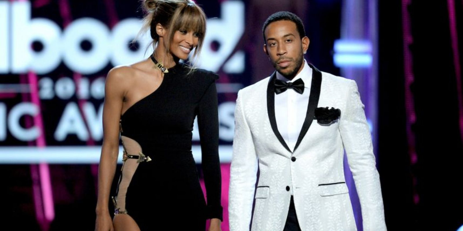 Los presentadores de la noche. Foto:Getty Images