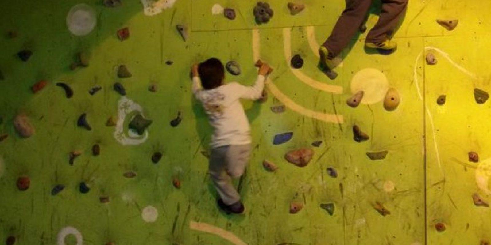 Y superando todo tipo de obstáculos Foto:Twitter.com/BonomoSabri