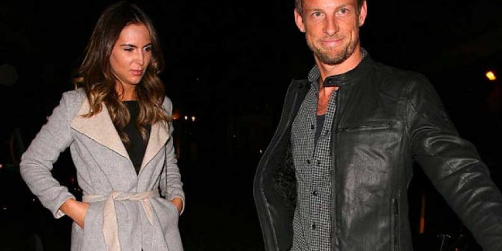 """El británico sale con la bella Brittny Ward, modelo y """"playmate"""". Foto:Getty Images"""