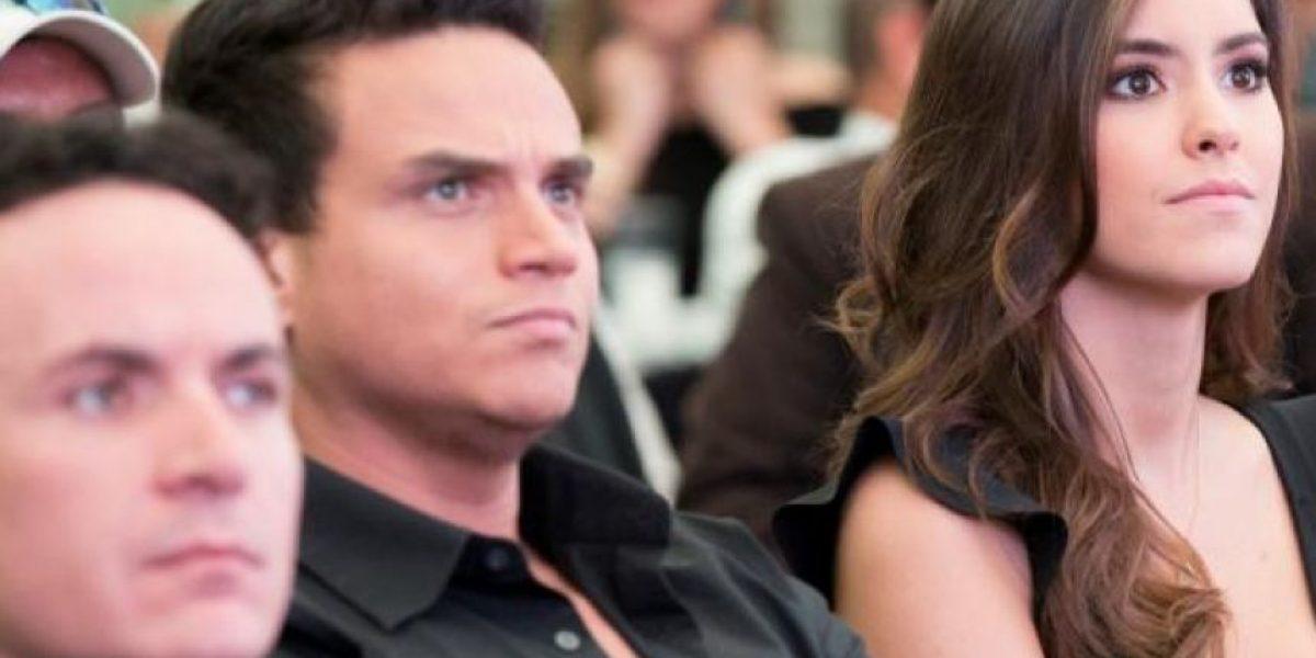 Paulina Vega se niega a besar a Silvestre Dangond en