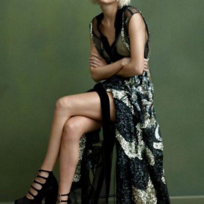 Cambió su pelo a rubio platino. Foto:vía Vogue