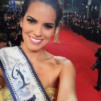 Valeria fue coronada por la Miss Perú 2015, Laura Spoya, y por la Miss Universo, Pia Alonzo Foto:Vía Instagram/@valepiazzav