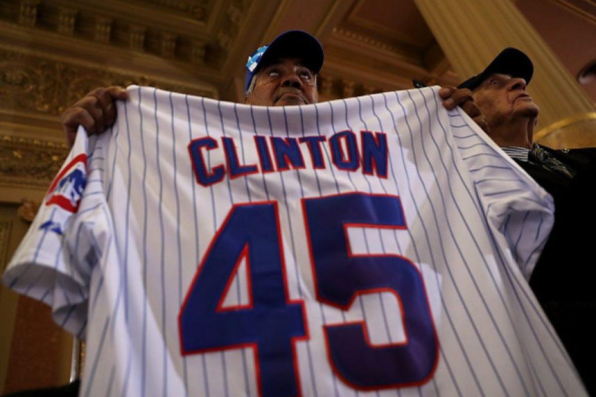 La exprimera dama y ex secretaria de Estado cuenta con dos mil 305 delegados de los dos mil 383 necesarios Foto:Getty Images
