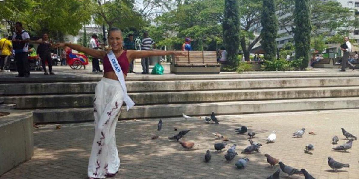 La Virreina Nacional, Daniela Herrera, se cayó en un desfile en Cúcuta