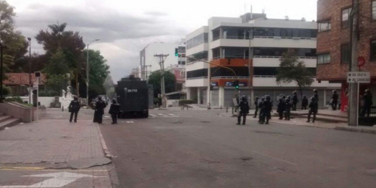 Calle 73 cerrada por disturbios en la Universidad Pedagógica