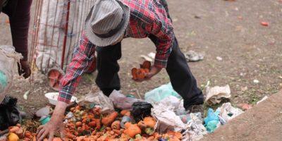 Las personas que recogen alimentos los venden incluso en Corabastos Foto:Sofía Toscano-Publimetro