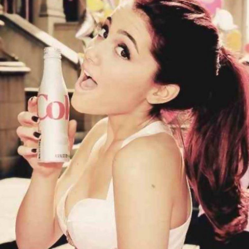 Ariana Grande Foto:Coca Cola