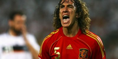 El defensor español jugó la Eurocopa 2004 y 2008, donde fue capitán y levantó el trofeo de campeón Foto:Getty Images