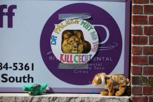 También hubo manifestaciones en el consultorio del dentista Foto:Getty Images