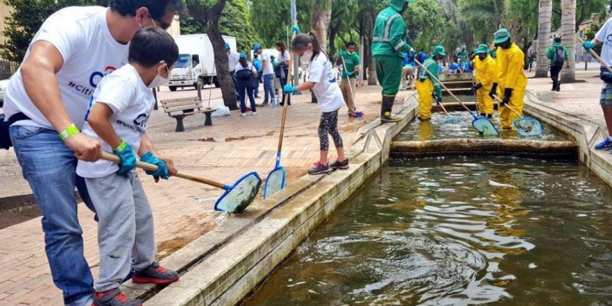 Fotos: Hasta los niños colaboraron con la limpieza del Eje Ambiental