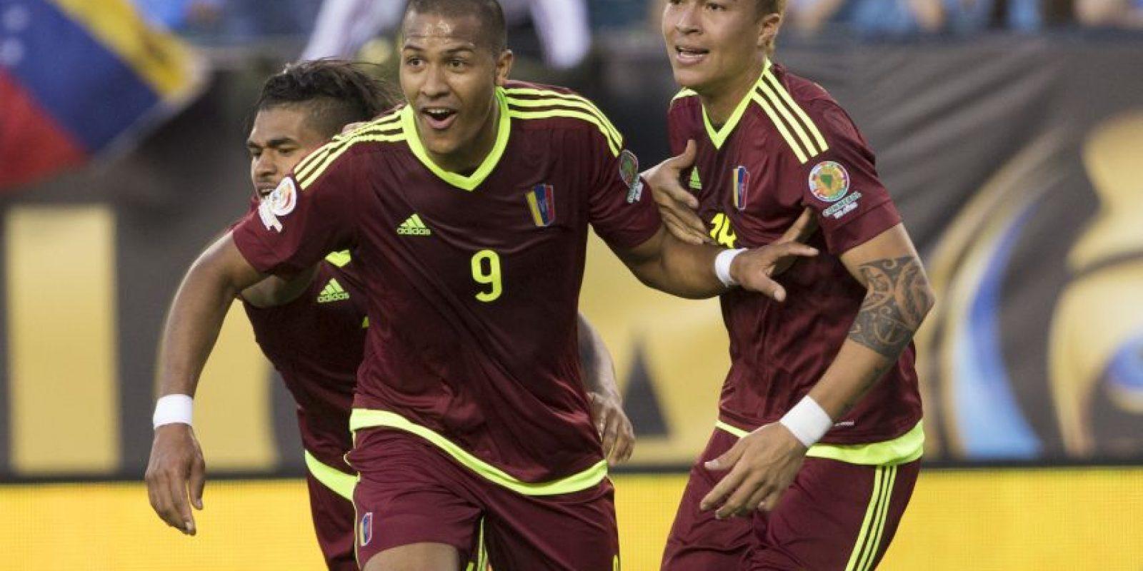 La Vinotinto venció por 1 a 0 en ambos encuentros y ahora buscará el primer lugar de su grupo para evitar a Argentina, quien posiblemente quede en la primera ubicación del Grupo D Foto:Getty Images