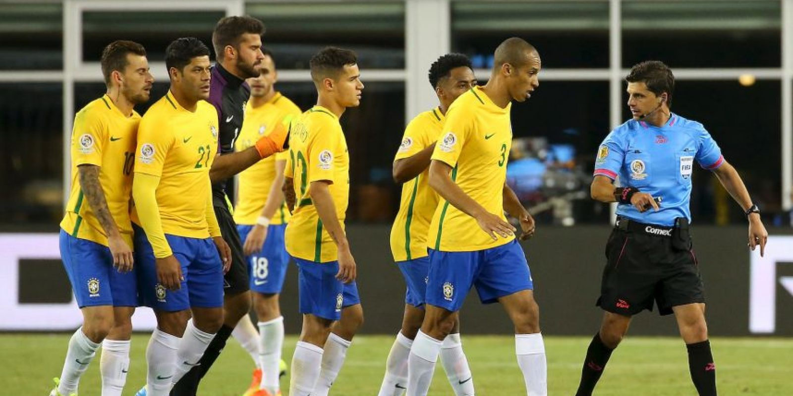 Neymar salió molesto a defender a su selección Foto:Getty Images