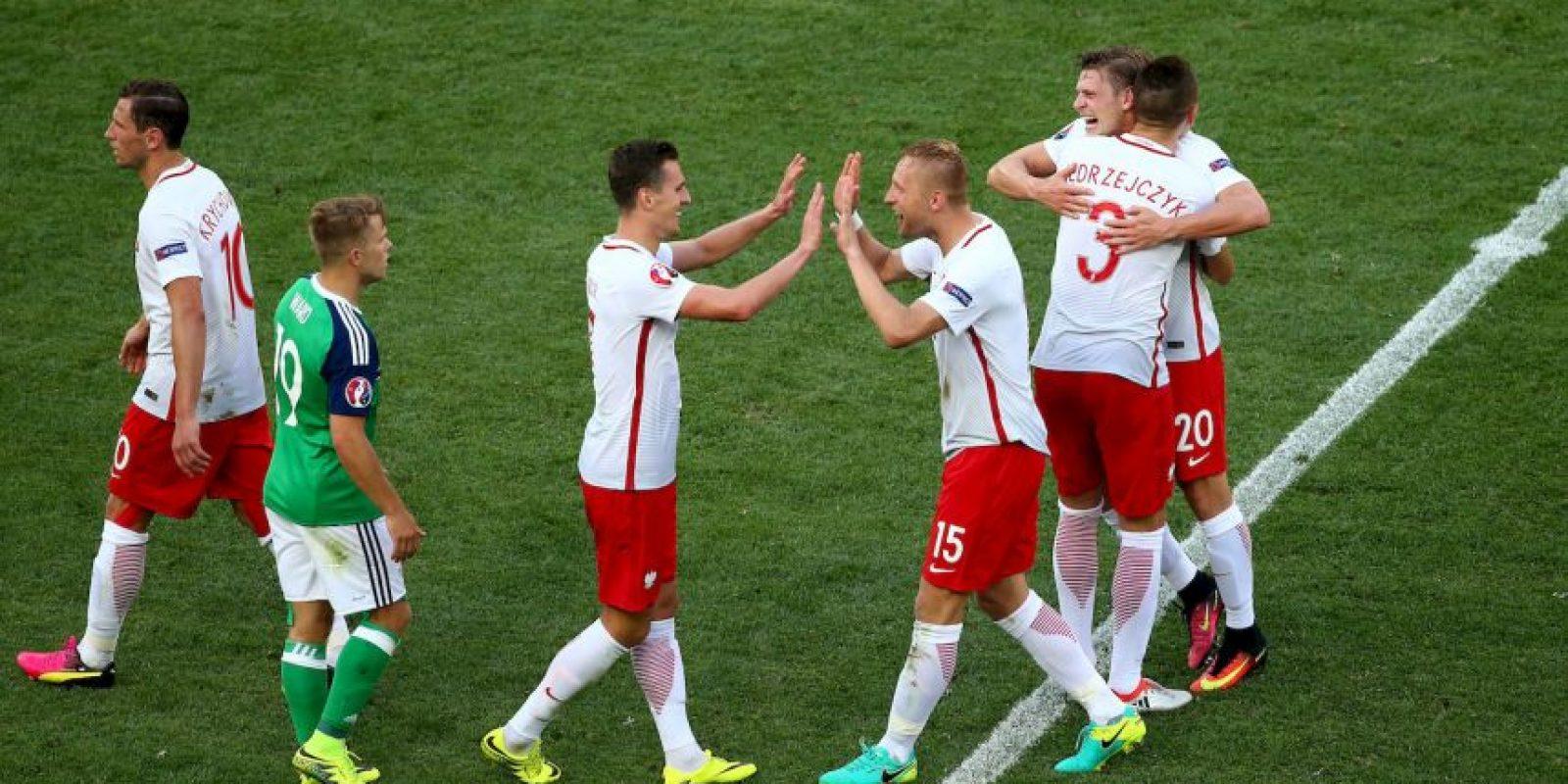 Sin embargo, ahora los polacos confían que aparezca Robert Lewandowski para sorprender al campeón del mundo Foto:Getty Images
