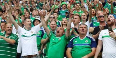 Un hincha no aguantó la emoción de la victoria y falleció tras sufrir un ataque cardíaco Foto:Getty Images