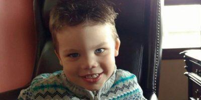 El niño Lane Graves, de dos años, murió al ser arrastrado por un caimán Foto:AFP