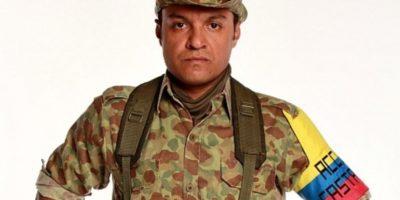 "Julián Román interpretó a Carlos Castaño en ""Los Tres Caínes"". Foto:Canal RCN"