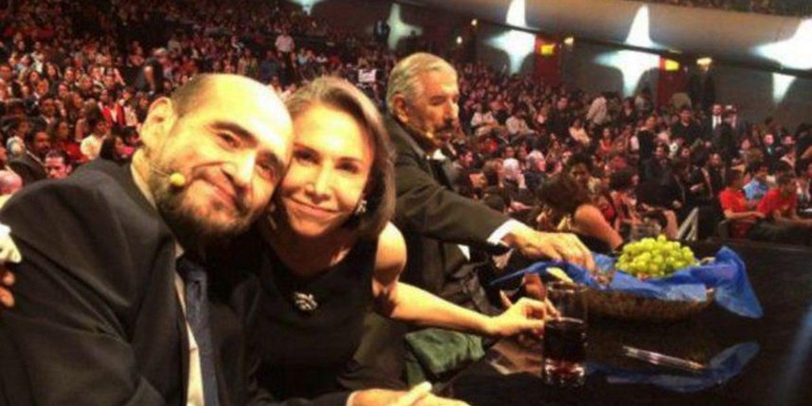 Le dedicó emotivas palabras a Rubén Aguirre Foto:Vía facebook.com/edgarvivaroficia