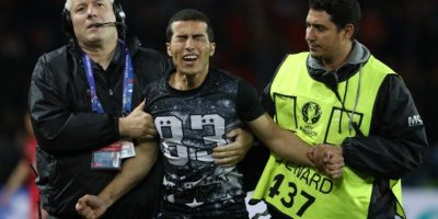 El gesto lo emocionó hasta las lágrimas Foto:AFP