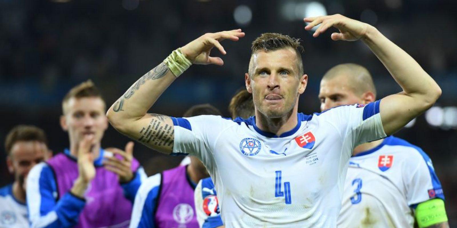 Eslovaquia, por su parte, debutó en el torneo y ha tenido un buen papel en la primera Eurocopa que disputn. Pese a que perdieron por 2 a 1 ante Gales, en la segunda fecha tuvieron un buen partido y le ganaron a Rusia Foto:Getty Images