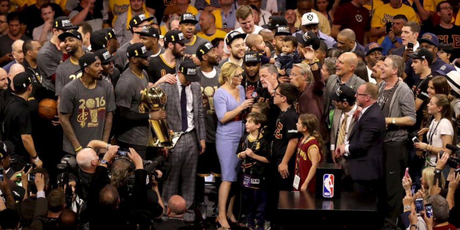 El título fue festejado con todo por los Cavs Foto:Getty Images
