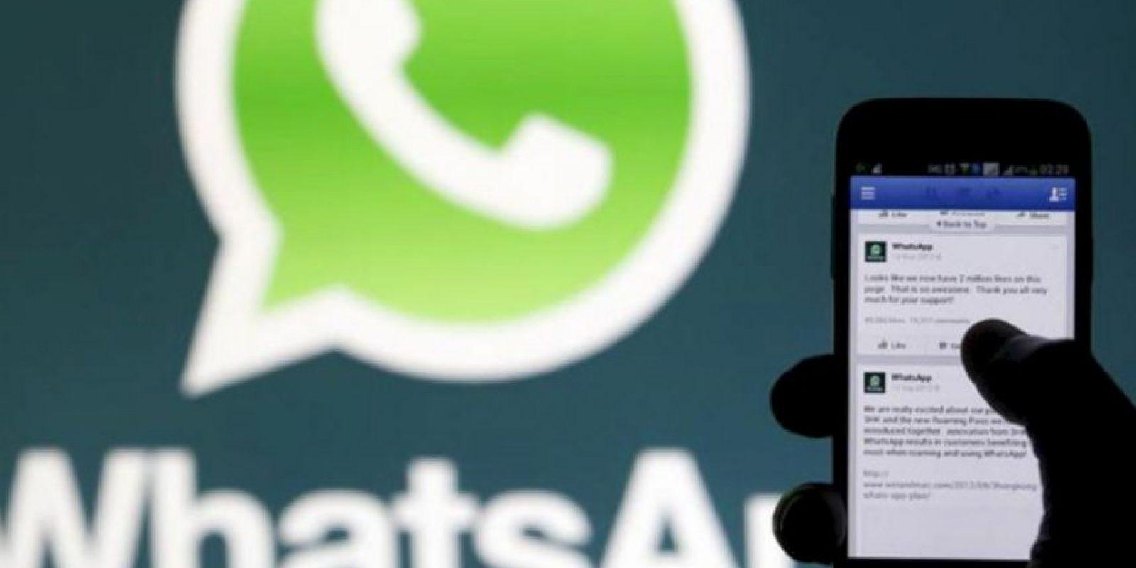 """¿Sabían que la aplicación puede acceder periódicamente a tu lista de contactos para """"localizar"""" a otros teléfonos móviles de personas que también usan WhatsApp? Foto:Tumblr"""