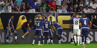 Javier Mascherano era el más preocupado y se sintió culpable de la caída Foto:Getty Images