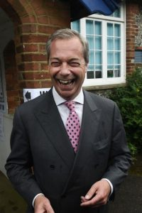 Nigel Farage, líder del partido de oposición UKIP, también fue de los principales promotores Foto:Getty Images