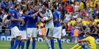 Italia cumplió su rol de favorita y ganó su grupo para avanzar primero Foto:Getty Images