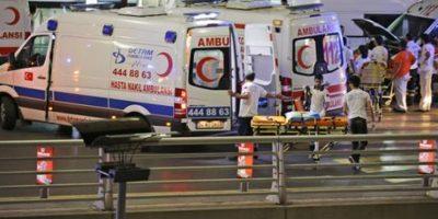 Hasta el momento se confirman 10 muertos y 20 heridos, cifra que puede aumentar Foto:AP