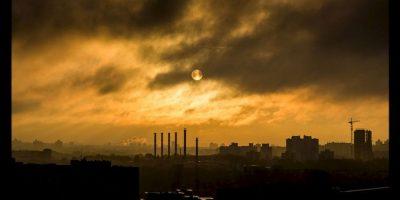 La capa de ozono es crucial para la supervivencia de los seres humanos debido a que absorbe o bloquea la radiación solar ultravioleta que es dañina para los seres vivos. Foto:Pixabay
