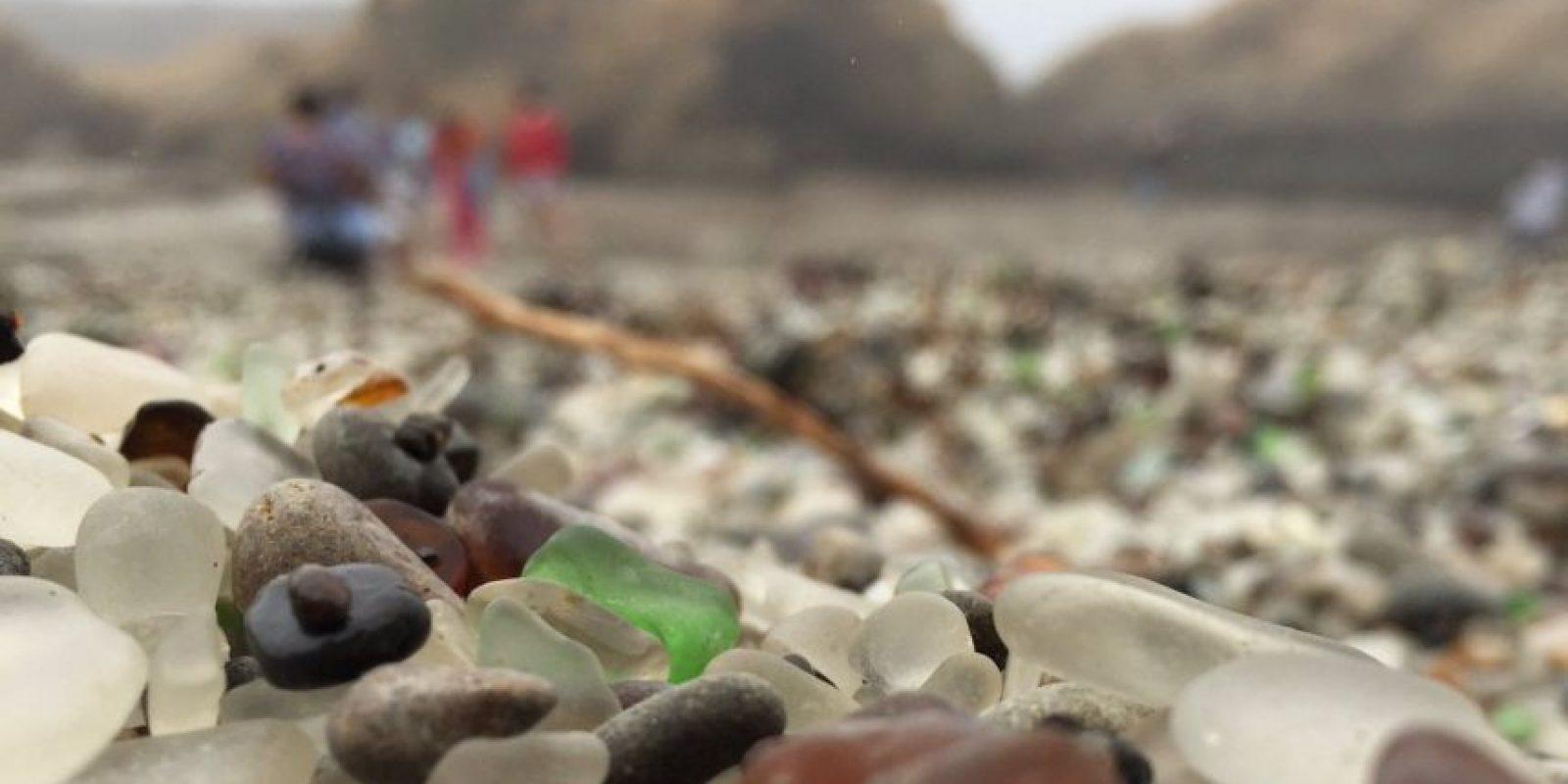 Algunos de los recuerdos de Glass Beach, en Fort Bragg, California Foto:Twitter.com/erinLYYC