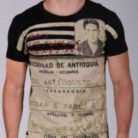 Esta línea de camisetas la sacó Sebastián Marroquín, hijo de Pablo Escobar, para refrendar el mensaje de su padre en uno de paz. Foto:Escobar Henao