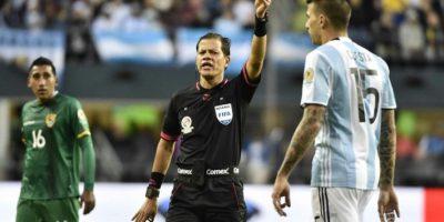Víctor Cuesta es uno de los jugadores que no será cedido Foto:AFP