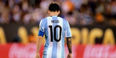 Lionel Messi renunció a la selección por las cuatro finales que ha perdido y por los problemas que vive la AFA Foto:AFP