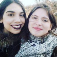 Daniela continúa con su carrera de artista, pero ahora se dedica a la música como guitarrista, cantante y compositora. Foto:https://www.instagram.com/danaedo/
