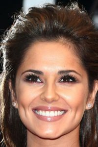 Con mejor pelo, dientes y cejas más refinadas. Foto:vía Getty Images
