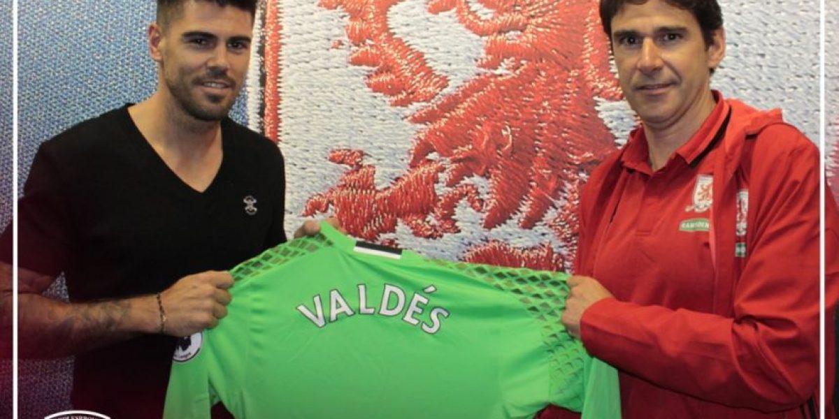 Víctor Valdés fue anunciado en Middlesbrough de una curiosa forma