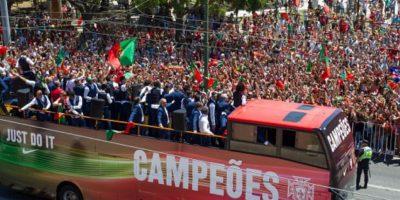 Así fueron los festejos de Cristiano Ronaldo y la Selección de Portugal, tras ganar la Euro 2016 Foto:Getty Images