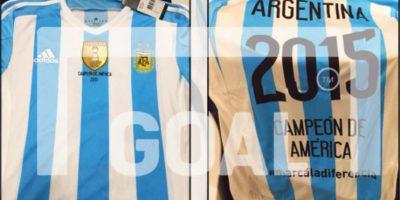 Argentina tenía lista la camiseta para festejar el título de la Copa América 2015 ante Chile, pero perdieron en la definición a penales Foto:goal.com