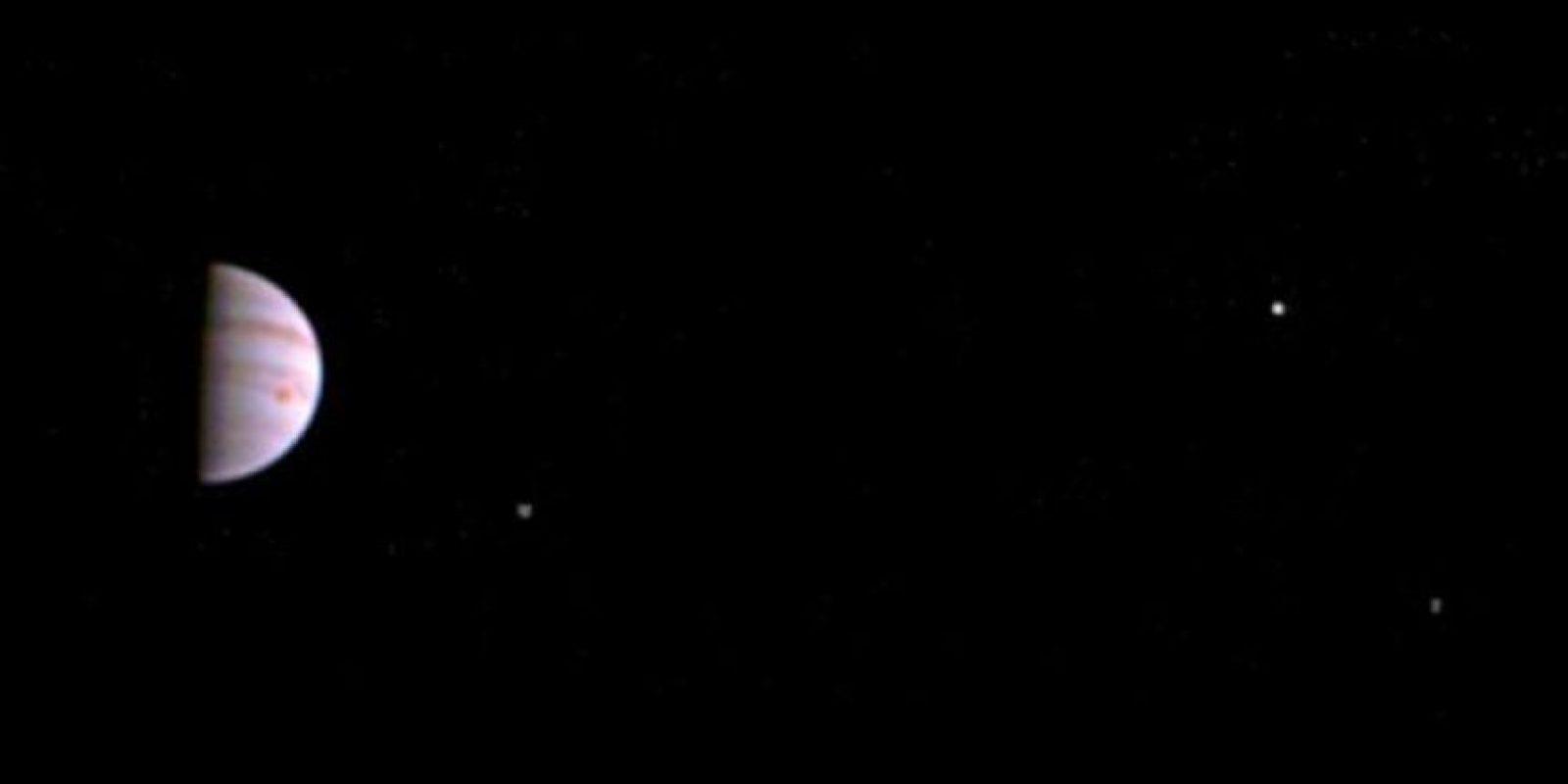 Esta es la primera imagen de Júpiter enviada por Juno Foto:NASA