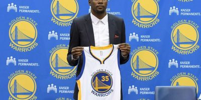 Llega a Golden State Foto: Getty Images