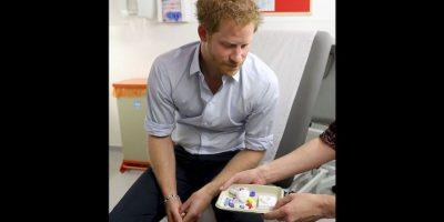 """Los resultados indicaron que el segundo hijo de Diana de Gales tuvo una prueba """"no reactiva"""", o lo que es lo mismo, no es portador del VIH. Foto:AP"""