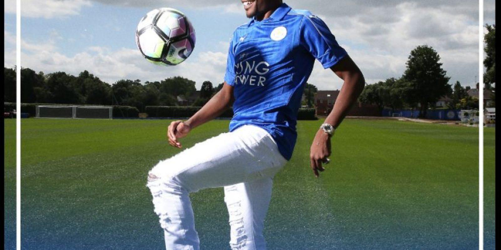 El atacante nigeriano viene de jugar en el CSKA Moscú Foto:Twitter Leicester