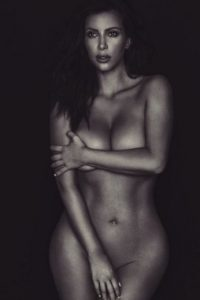 Lo suelen sufrir también las famosas. Kim Kardashian y Emili Ratajkowski se han pronunciado contra esto. Foto:Twitter