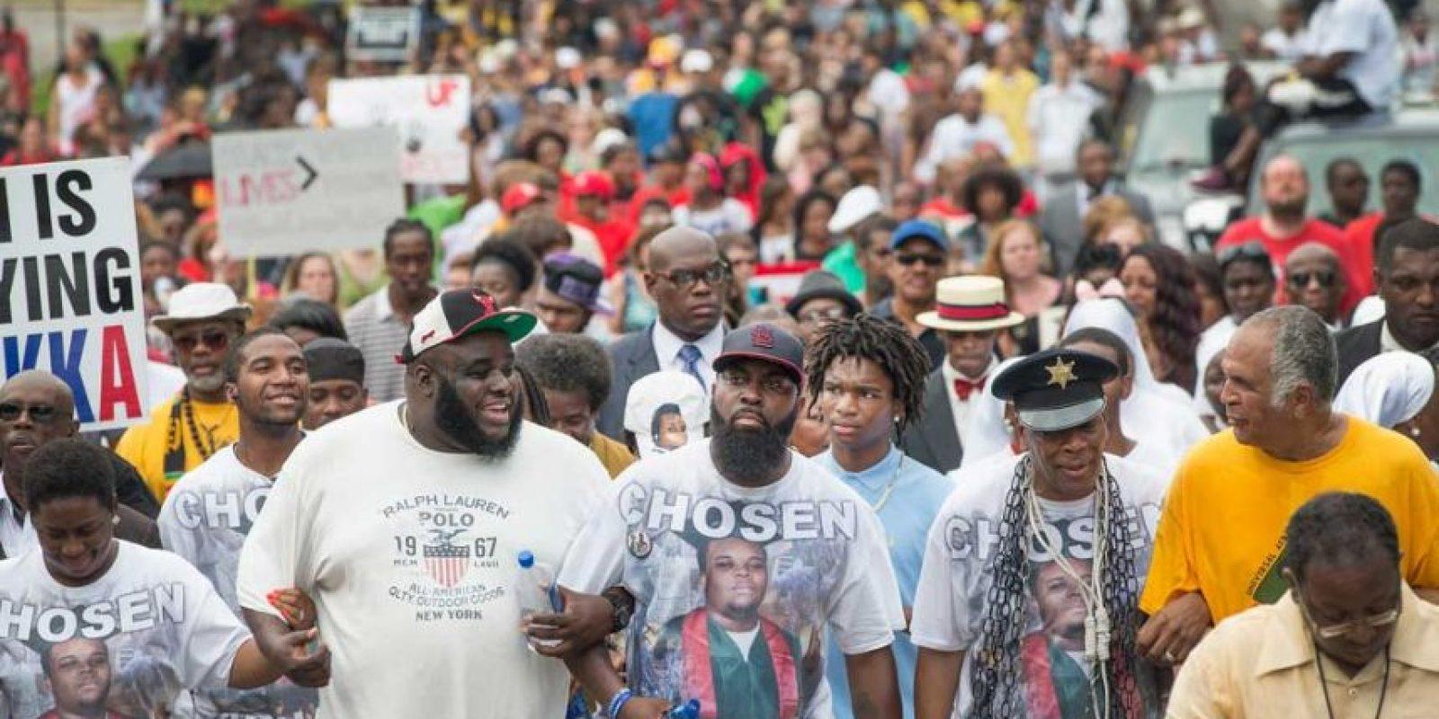 A partir de la muerte del joven negro de 18 años, las manifestaciones de la comunidad afroamericana aumentaron. Foto:Getty Images