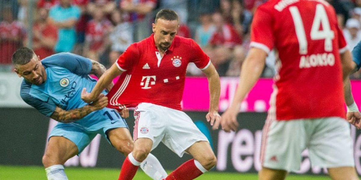 Ribery terminó con la camiseta rota el amistoso de Bayern Munich
