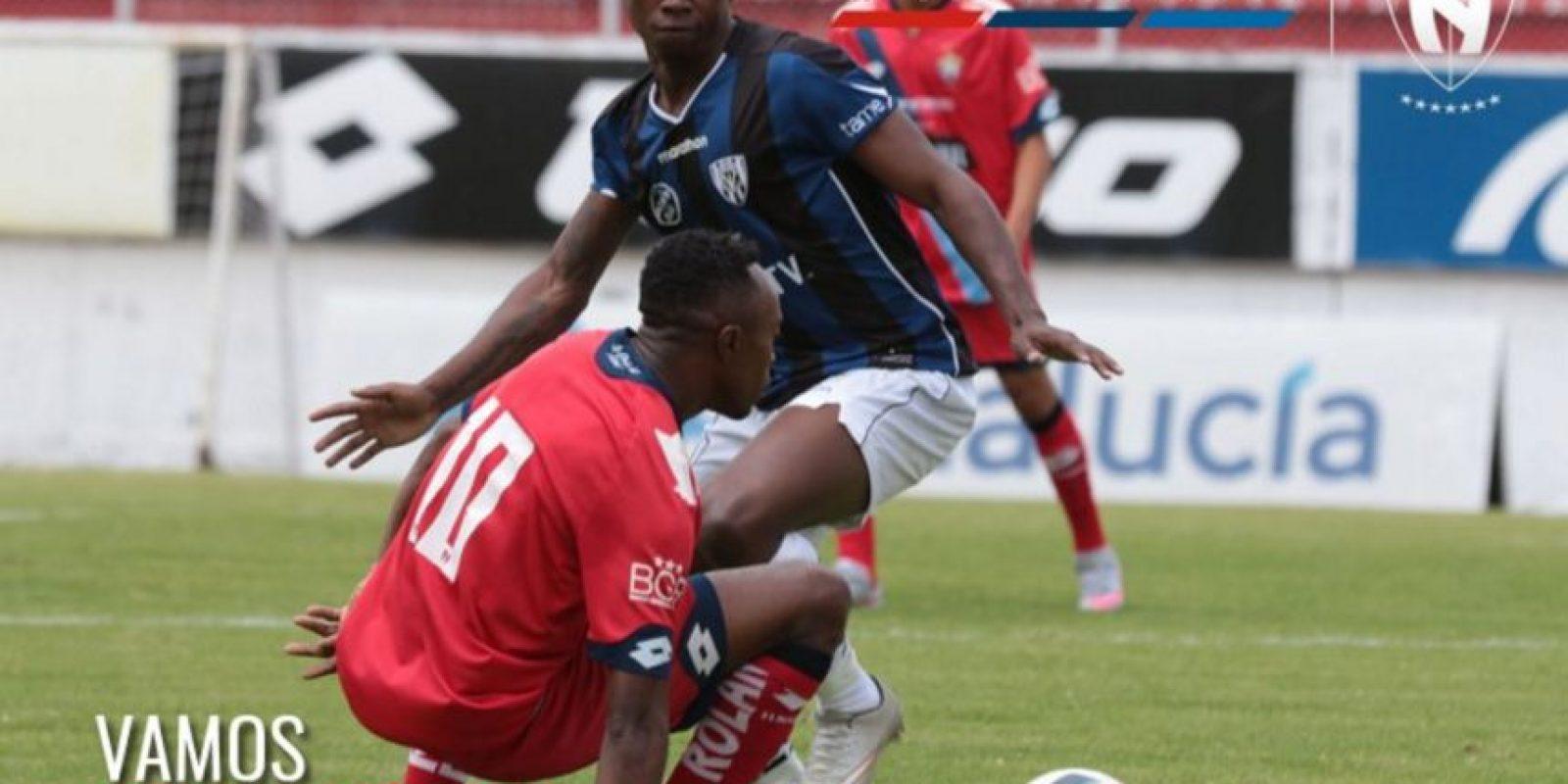 Sin embargo, antes de su partido por la Libertadores, Independiente del Valle tuvo que jugar con suplentes por el torneo nacional Foto:Twitter El Nacional
